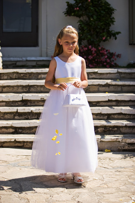 Flower Girl at La Venta Inn Wedding Ceremony