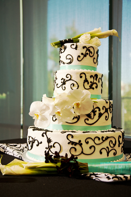 Wedding Cake at Black Gold Golf Club in Orange County, California