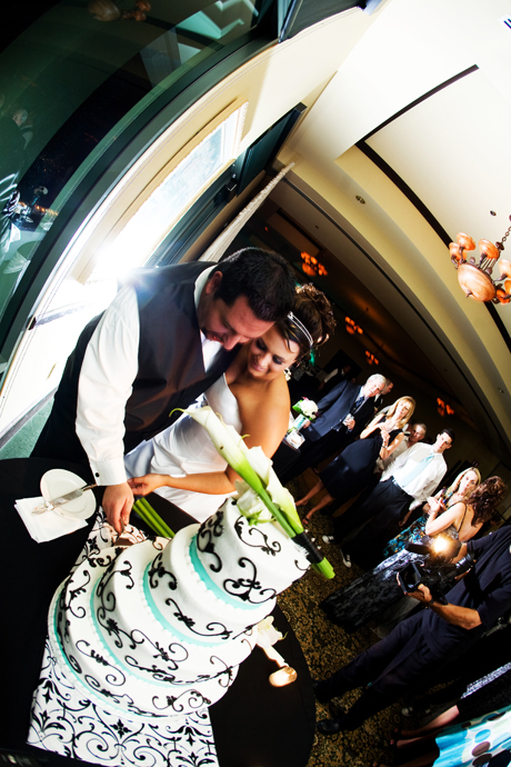 Bride and Groom cut their Wedding Cake at Black Gold Golf Club