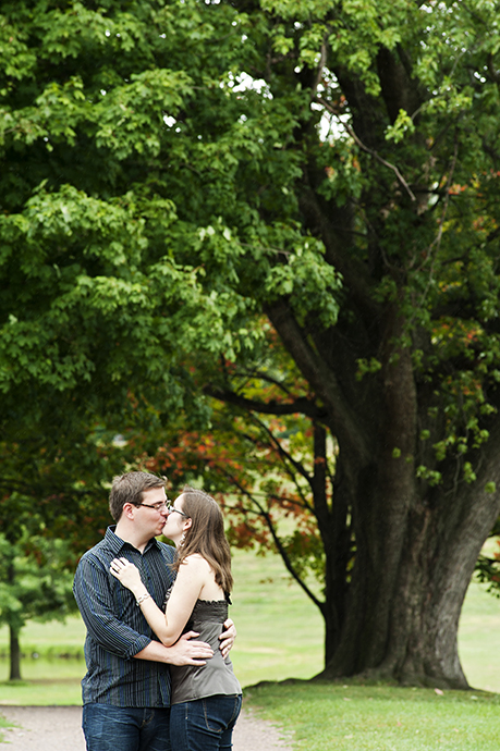 Rustic_Engagement_Pictures_03