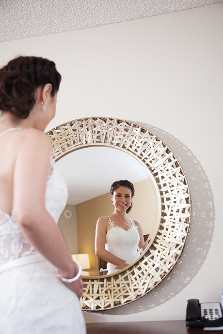 Bride getting ready at the Newport Beach Marriott