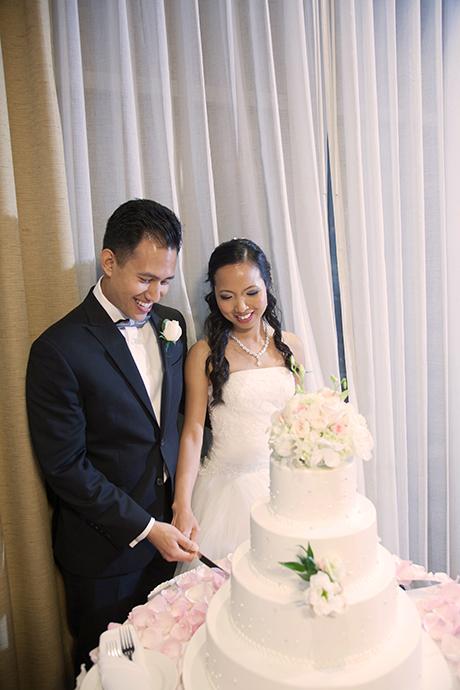 Anaheim Hills Country Club Wedding Reception - Cut the Cake