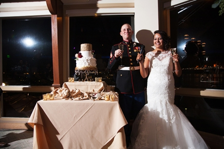 Cut the Wedding Cake Pictures